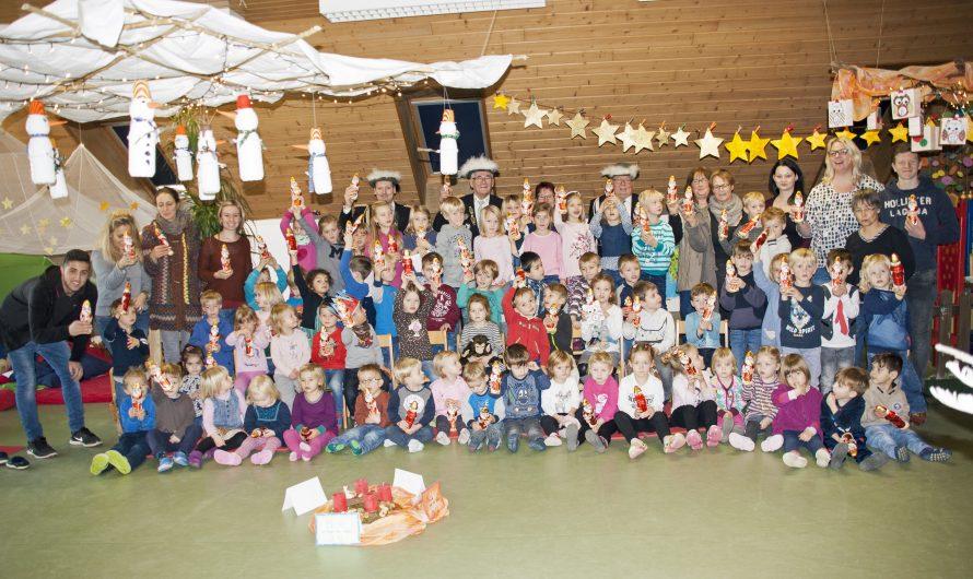 St. Stephanus Gilde verteilt Nikoläuse im Kindergarten