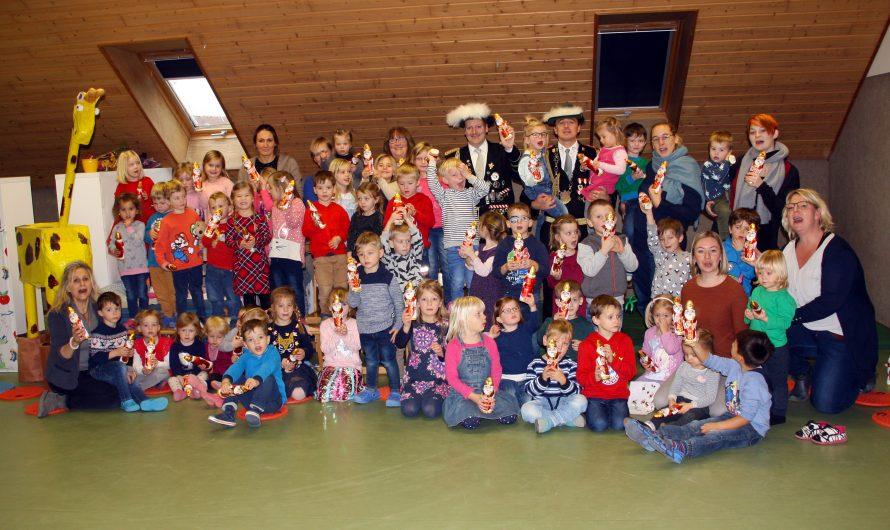 St. Stephanus Gilde verteilt wieder Nikoläuse im Kindergarten